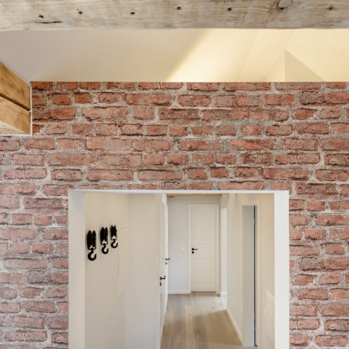 0711 Lodging | Loft style - 2-Zimmer Apartment mit offenem Dachgebälk